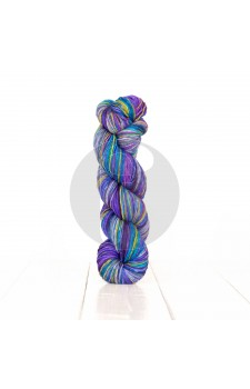 Uneek Fingering- Urth Yarns